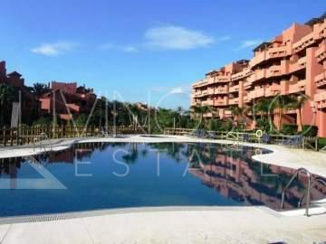 Apartment,  Beachside,  Furnished,  Fitted Kitchen,  Parking: Garage,  Pool: Communal Pool,  ...