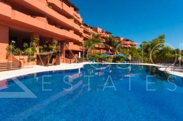 Long term rental - 4 bedroom apartment in New Golden Mile, Estepona