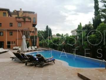 High quality spacious apartment in AGH Hotel complex, security guard, sat tv, alarm, close to ...
