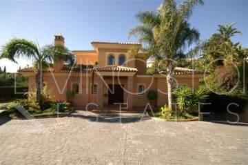 This beautiful and comfortable villa was built in 2003 and is located within minutes of all ...