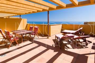 Penthouse with 2 bedrooms and huge terrace available for holiday rent, beachside on the New ...
