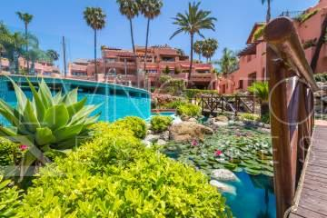 Amazing ground floor property for holiday rent in Cabo Bermejo, Estepona