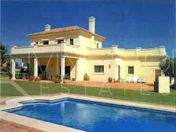 Marvellous villa with fantastic golf views.