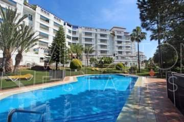 Huge apartment in one of the most prestigious beach front complexes in the center of Puerto ...