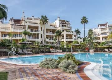 El Velerín - Estepona | 3 Bed Luxury Beachfront Penthouse for sale