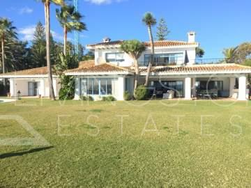 Magnificent Beachfront detached villa with panoramic sea views for sale in Guadalmina Baja!