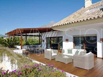 Luxury 4 bedrooms penthouse in Lomas del Rey, Marbella