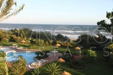 Beachfront urbanisation with private access to the beach! The penthouse is South West facing, ...