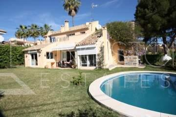 Lovely villa in the prestige area El Pilar