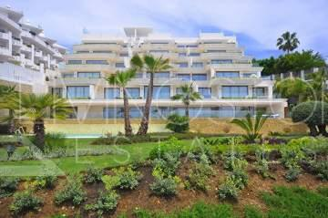 New built modern apartment beachfront in Estepona