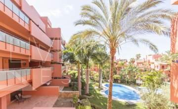 Beautiful spacious apartment for holiday rental in a beach side complex, New Golden mile, ...