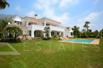 Exclusive Villa in Sierra Blanca available for Long term rent.