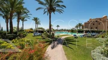 Luxurious and spacious apartment of 3 bedrooms/3 bathrooms with sea views, located in one of ...