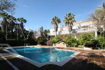 Extrordinary villa in the heart of the Golden Mile! This villa takes you back to the ...