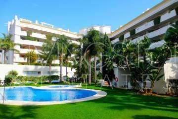 Beautiful apartment in one of the most prestigious area of the cost - Puerto Banus. Spacious 2 ...