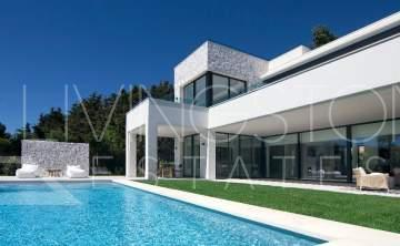 Magnificent new villa in one of the most prestigious areas Guadalmina Baja, 200m to the beach