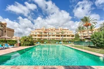 Lovely apartment located in the gated urbanization Flamingos Golf and Country Club.