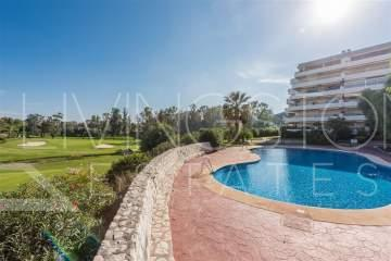 Beautiful apartment in one of the most prestigious area with spectacular golf and panoramic ...