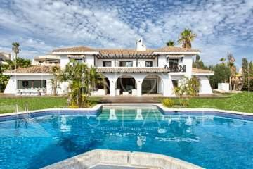 Unique renovated estate, walking distance to Puerto Banus!