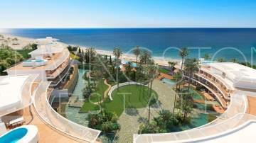 Splendid luxurious development, located beachfront on the New Golden Mile, Estepona