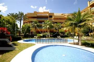 This well built corner apartment is situated in a well maintained beachside complex on the New ...