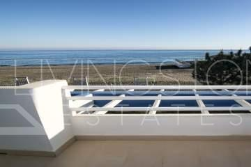 The ideal beach front location! Direct and open sea views!