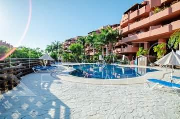 Beautiful, large apartment with panoramic views and partial sea views! Apartment is in the ...