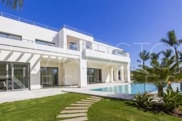 Modern newly built villa in Guadalmina baja, short walk to the beach