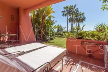 Frontline beach Ground floor apartment in Cabo Bermejo