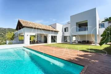 Modern style open plan villa located within Los Arqueros Golf Resort