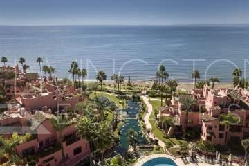Beachfront apartment for rent in Cabo Bermejo, Estepona