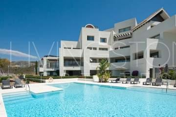 Modern duplex penthouse in the prestigious area of Los Flamingos Golf Resort