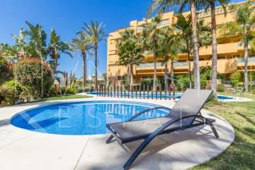 Beachside apartment for long term rental close to Estepona town