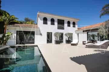 Refurbished modern villa close to the beach and Marbella