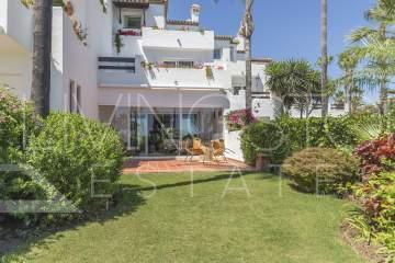 Luxury beach front townhouse with the sea views in Costalita!
