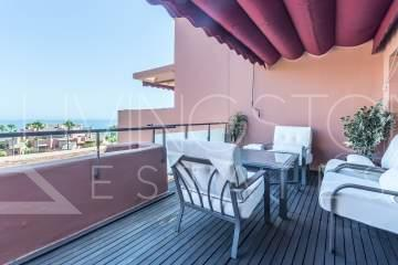 Beach side penthouse with amazing sea views, Las Salinas Estepona