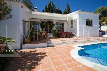 Cozy rural villa with private pool, very close to the town of Estepona and the beach