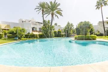 Ground floor apartment for holiday rent close to golf course and the sea, Selwo Estepona