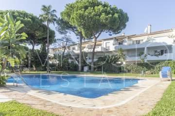 Unique and spacious 2 bedrooms middlefloor situated in El Presidente - Estepona