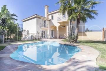Villa in Estepona Alta