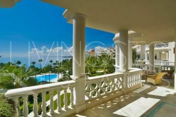 Amazing beachfront apartment with the most beautiful panoramic views of the sea in Las Dunas ...