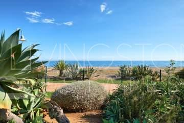 Luxury frontline beach in Costalita del Mar