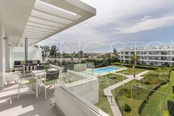 Beautiful contemporary penthouse in the recently built complex en Bel Air!