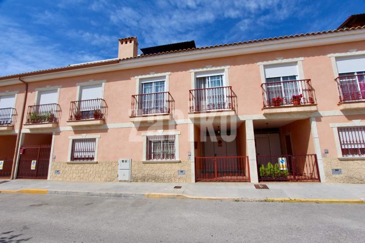 Myydään asunto espanjasta