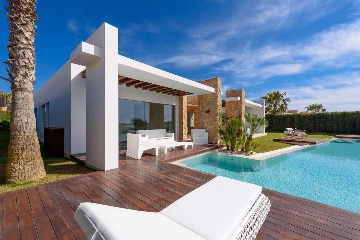 Villa alpha a luxury home for sale in ibiza ibiza for Ibiza country villas